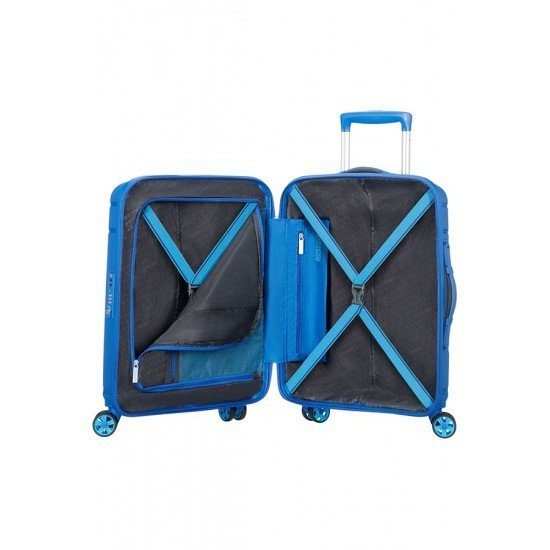 American Tourister куфар Skytracer 68 см - син